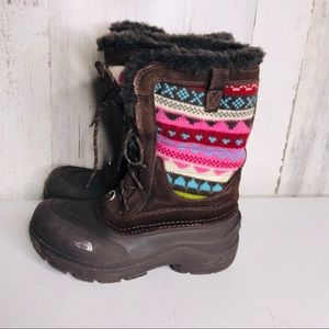 The North Face insulated winter boots size6 girl